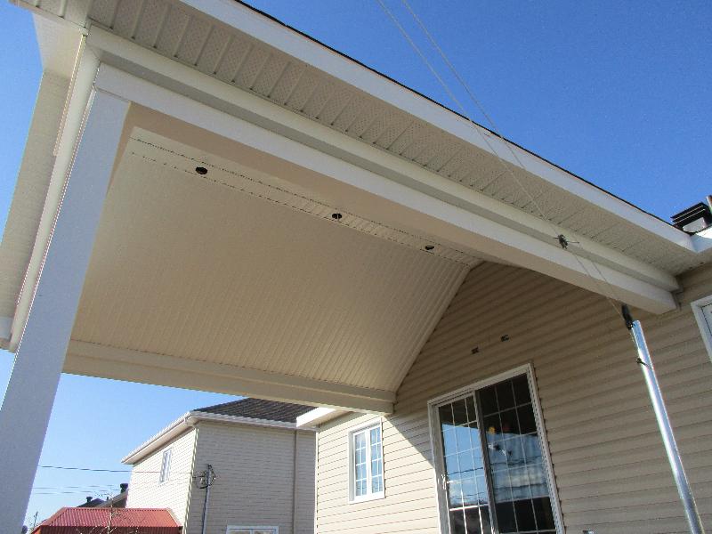 construction d une terrasse avec toiture cath drale. Black Bedroom Furniture Sets. Home Design Ideas