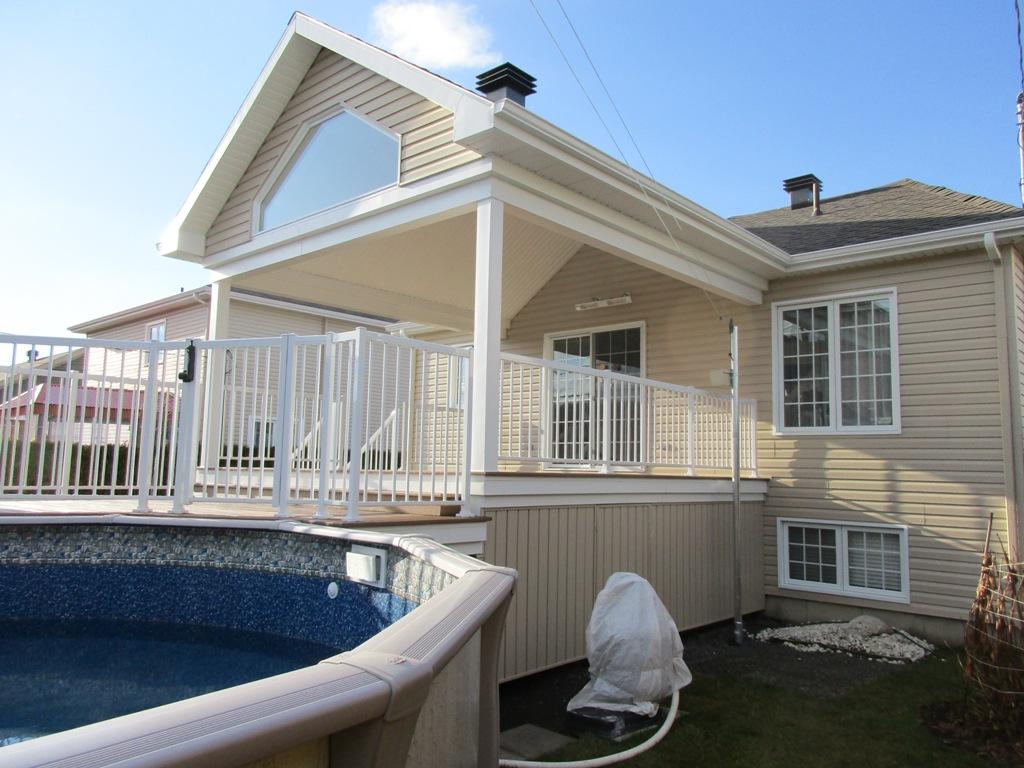 Construire une piscine sur un toit terrasse for Toit patio bois